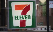 7-Eleven Owner Catches Hungry Teen Shoplifting, Gives Him Food Instead of Calling Cops