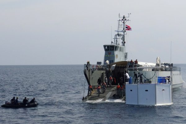 Thai navy drags seastead home