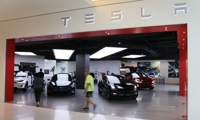 A Tesla showroom is seen on April 04, 2019 in Miami, Florida. (Joe Raedle/Getty Images)