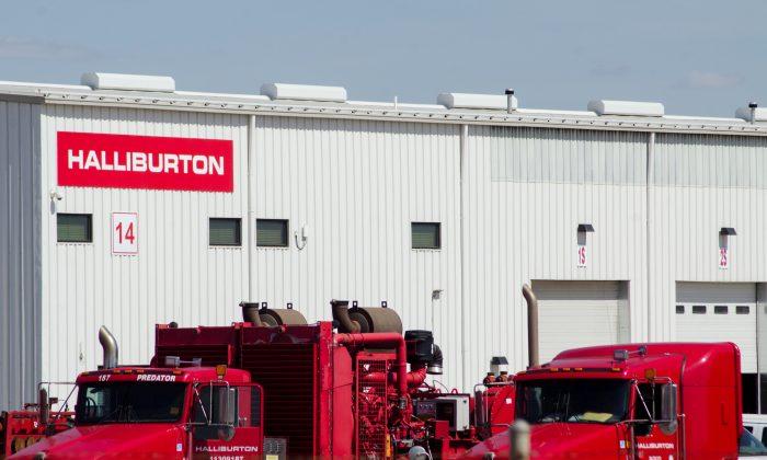Idle oil production equipment is seen in a Halliburton yard in Williston, North Dakota April 30, 2016. (Andrew Cullen/Reuters)