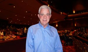 Council Member Captured by Shen Yun Performers' Energy and Enthusiasm