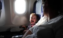 Mom Tears Up When Cranky Kids Annoy Passengers on Plane, So Flight Crew Hands Her a Note