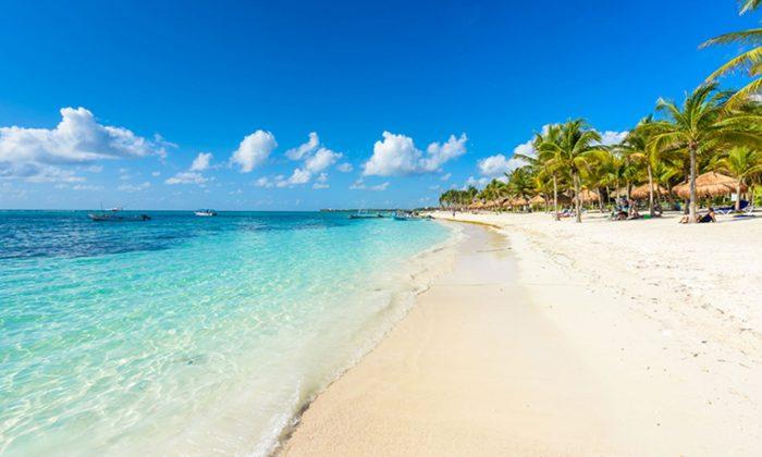 A beach stock photo (Illustration - Shutterstock)