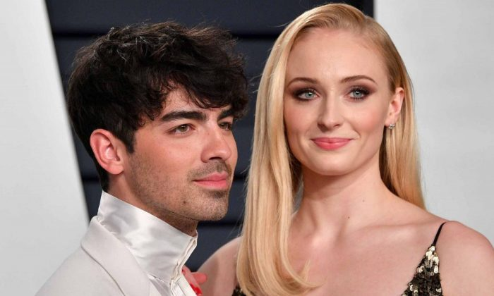 Joe Jonas (L) and Sophie Turner. (Dia Dipasup/Getty Images)