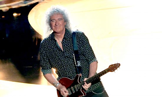 Queen Guitarist Brian May Says Shen Yun Is 'Enchanting and Enlightening'