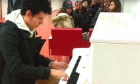 Video: Professional Pianist Plays Medley on Airport Piano, Leaving Passengers in Awe