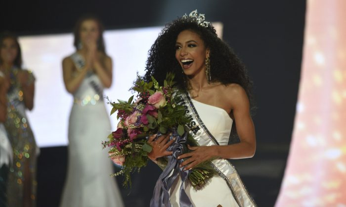 Miss North Carolina Cheslie Kryst wins the 2019 Miss USA final competition in Reno, Nev., on May 2, 2019. (Jason Bean/The Reno Gazette-Journal via AP)