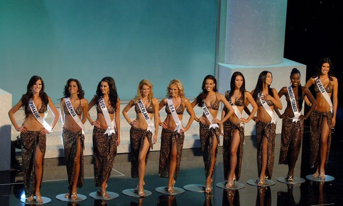 Top 10 finalists of Miss Universe 2006 in Los Angeles on July 23, 2006. (Stephen Shugerman/Getty Images)