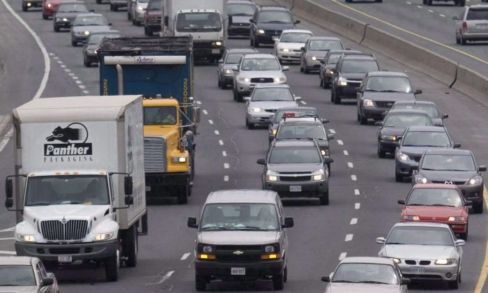 A stock photo of traffic (The Canadian Press/Lars Hagberg)