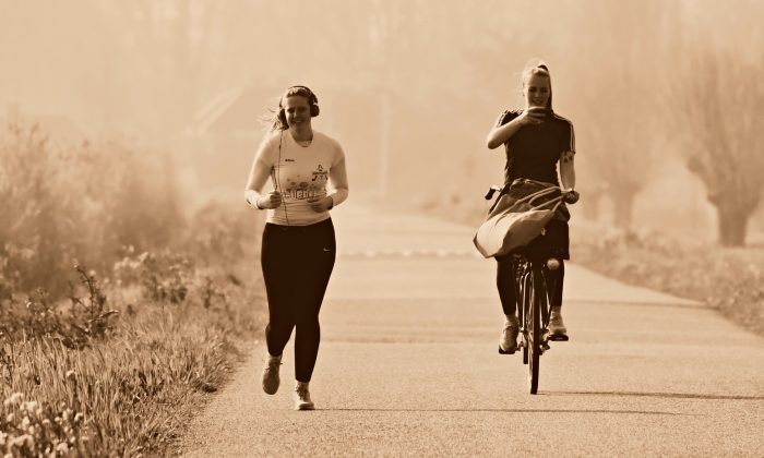 Depending on your weight and health, you may want to start with easier exercises, like a gentle bike ride, before moving up to jogging. (Mabel Amber/Pixabay)