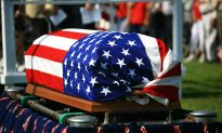 90-Year-Old Korean War Veteran Given Full Military Funeral by 400 Strangers in Ohio