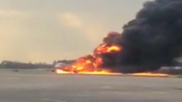 Russia airplane on fire 3