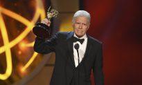 """""""Jeopardy!"""" Host Alex Trebek's Emmy Award Comes With Ovation"""