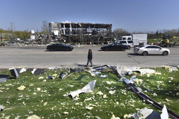 Illinois plant explosion 2