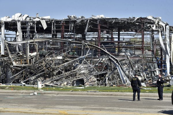 Illinois plant explosion 4
