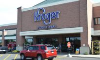 Cops Respond to Shoplifting Call at Kroger, Staff Say There's a 'Problem' Inside Bathroom