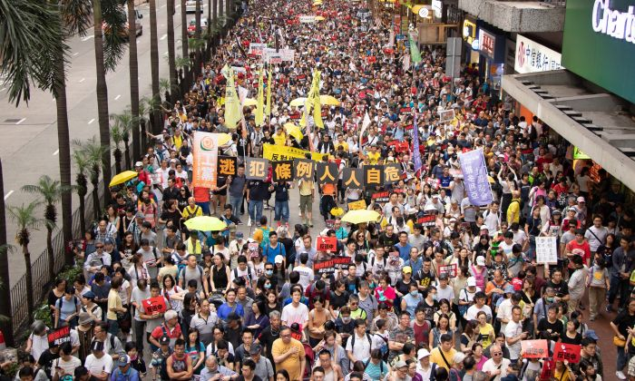 Over 130,000 Hongkongers protest China Extradition Amendments in Hong Kong on April 28. (Kiri Coi/The Epoch Times)