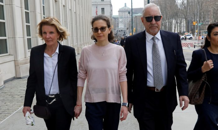 Clare Bronfman, an heiress of the Seagram's liquor empire, arrives at the Brooklyn Federal Courthouse to face charges regarding sex trafficking and racketeering related to the Nxivm cult case in New York on April 8, 2019. (Shannon Stapleton /File Photo/Reuters)