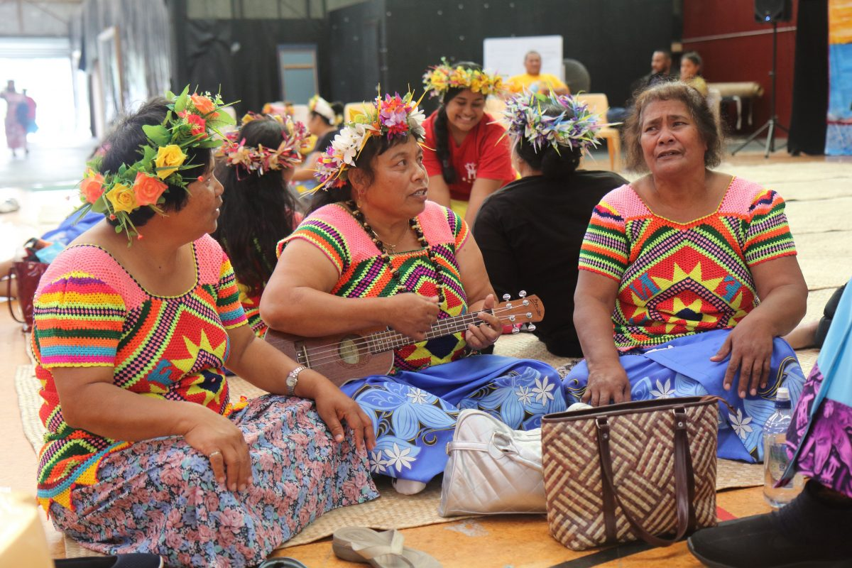 Tuvaluan Isaland women in song