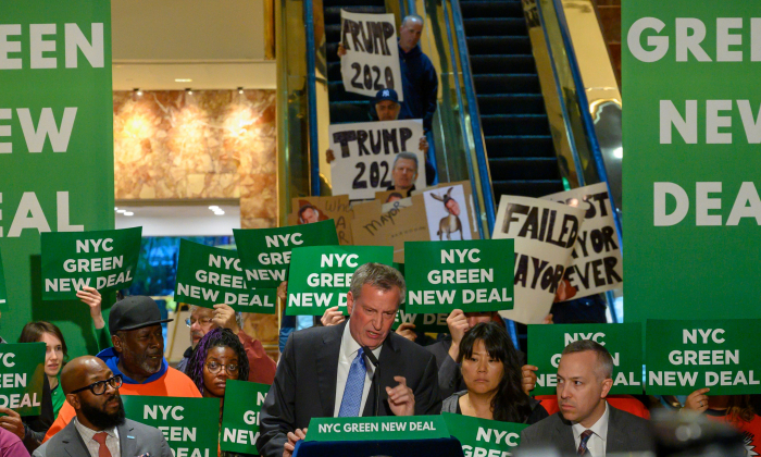 New York City Mayor Bill de Blasio speaks inside Trump Tower about the Green New Deal, serving notice to President Donald Trump demanding more energy-efficient buildings, including Trump Tower, in New York on May 13, 2019. (Don Emmert/AFP/Getty Images)
