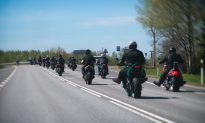 Bullied Girl Was Scared to Go on Prom, Then 120 Leather-Clad Bikers Show Up at Her Door