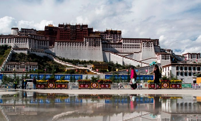 Potala Palace in Tibet. (Johannes Eisele/AFP/Getty Images)