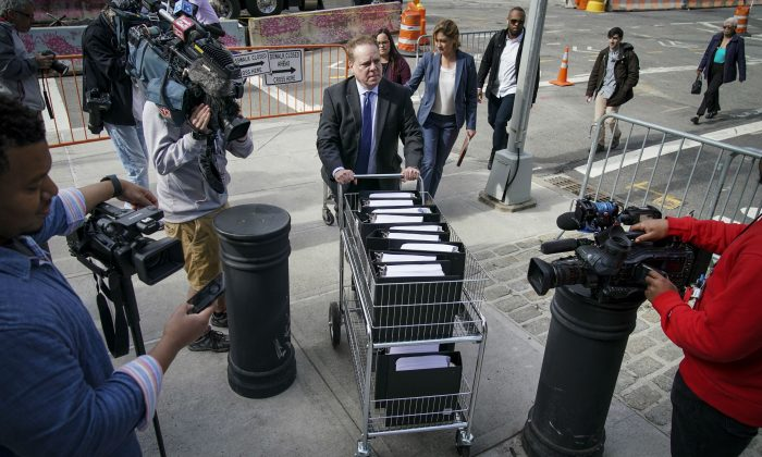 Prosecutors Ask to Introduce Box of NXIVM Files on 'Enemies'