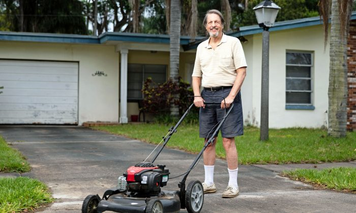 Dunedin resident Jim Ficken is suing the City of Dunedin for foreclosing his home because the grass was too tall. (Courtesy of the Institute for Justice)