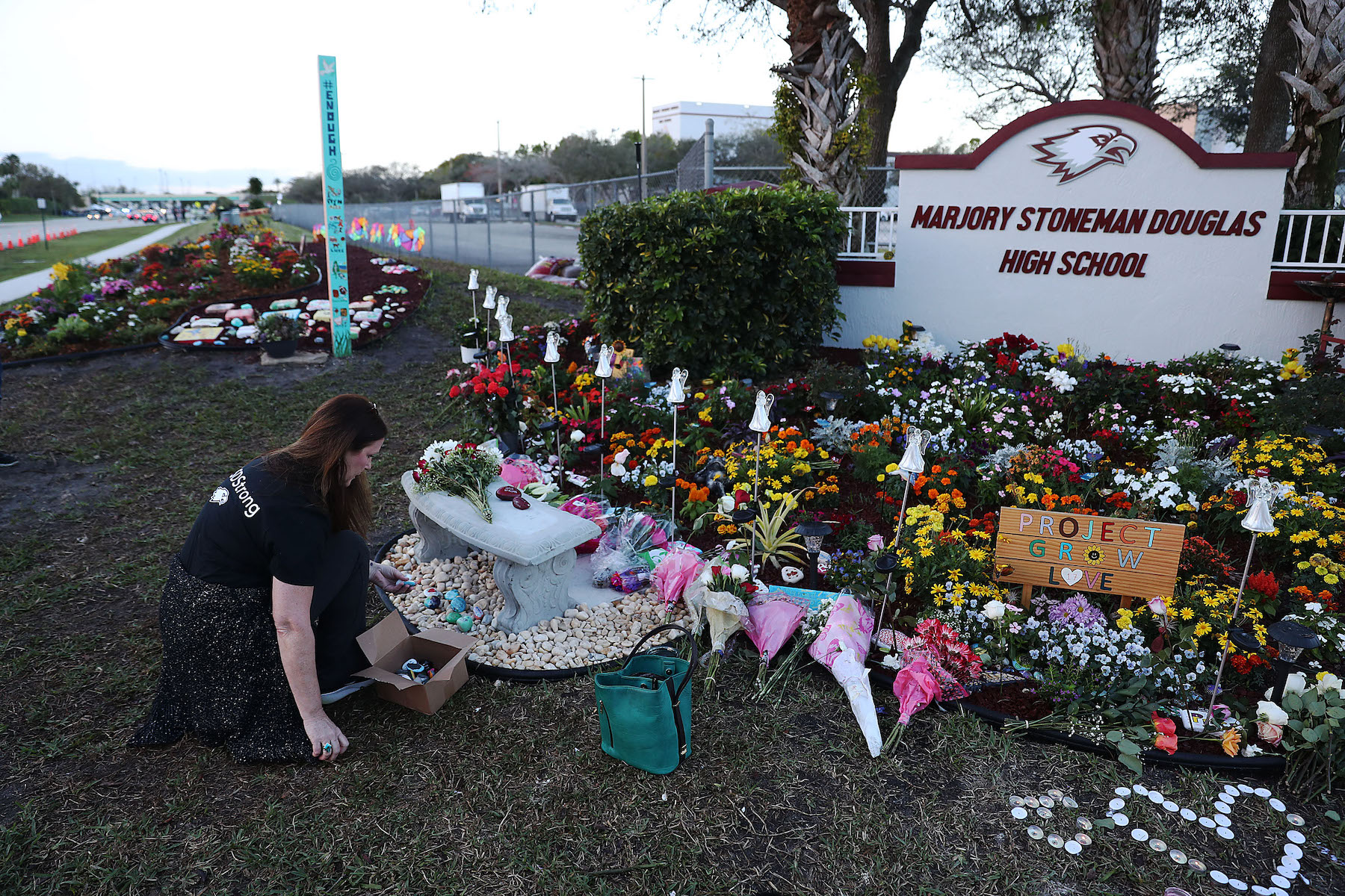 parkland shooting memorial