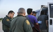Officials: Migrant Families Transported to Other Sectors by Plane, Bus Due to 'Capacity Limitations'