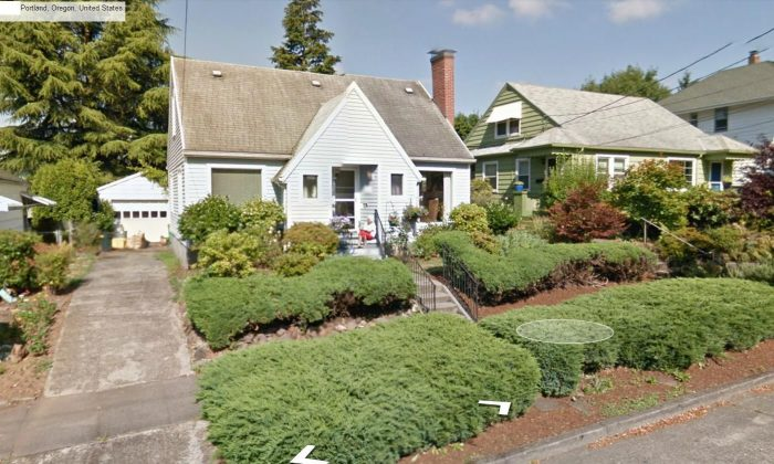 A photo shows the grandmother in Oregon (Google Street View)