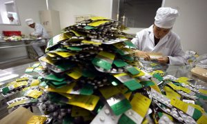 China's Retaliatory Tariffs on US-Made Drugs, Medical Equipment Spark Complaints by Netizens