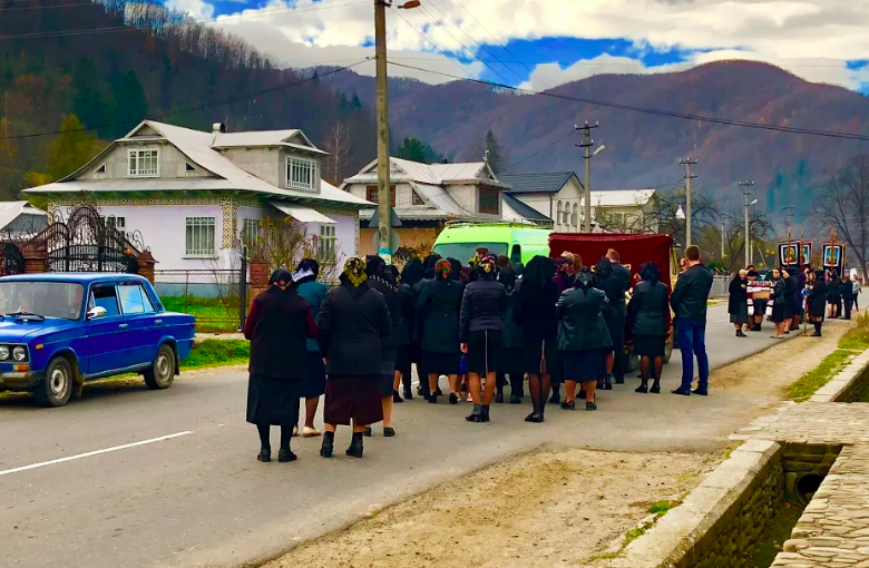 mourners ukraine