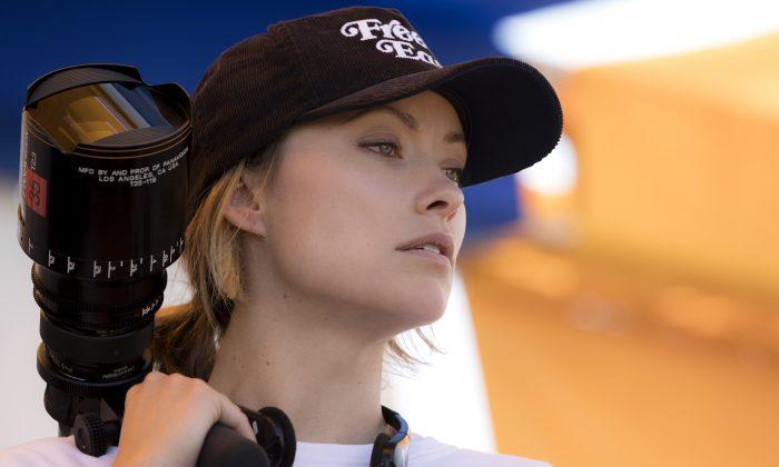 """Olivia Wilde on the set of her directorial debut, """"Booksmart."""" (Francois Duhamel/Annapurna pictures, LLC)"""