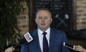 Opposition Leader Anthony Albanese to be Discharged from Hospital After Car Crash