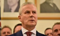 Australia's Deputy PM Wants Planes in the Air