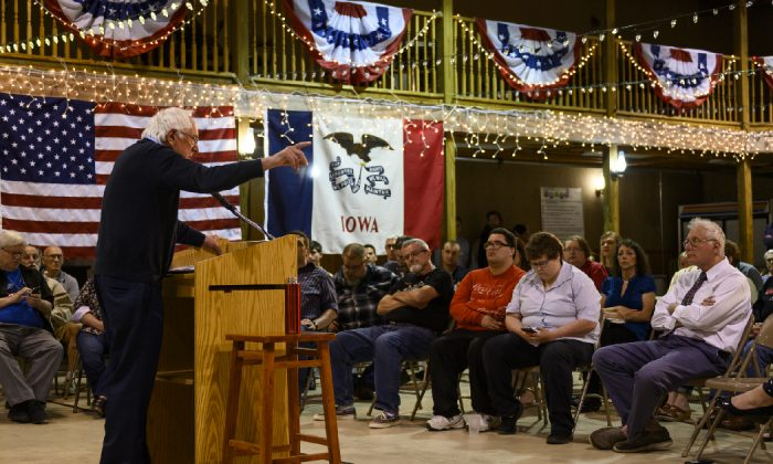 Democratic presidential candidate Sen. Bernie Sanders (I-VT) speaks during a town hall at the Fort Museum on May 4, 2019 in Fort Dodge, Iowa. (Stephen Maturen/Getty Images)