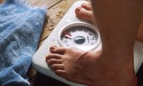 How Using a Scale May Help You Avoid Weight Gain During Vacation