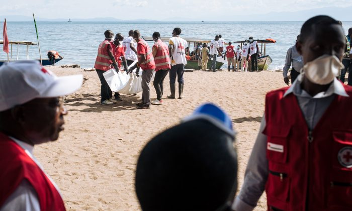 Red Cross volunteers from Goma (DR Congo) and Gisenyi (Rwanda) on April 20, 2019. (Alexis Huguet/AFP/File Photo via Getty Images)