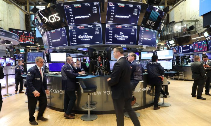 Traders work at the New York Stock Exchange, U.S. on May 20, 2019. (Spencer Platt/Getty Images)
