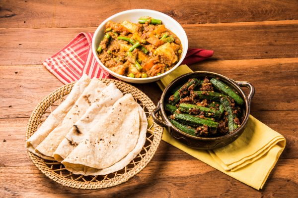 roti with side dishes
