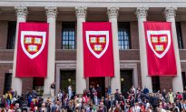 Harvard's Newspaper Defends Contacting ICE for Comments in the Face of Angry Student Groups