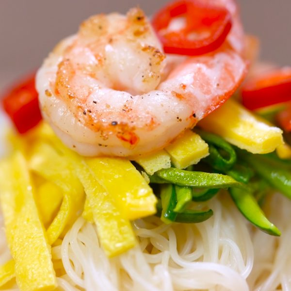 rice noodle soup with shrimp and zucchini