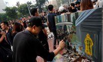 Hong Kong Artist Wields a Paintbrush at Hong Kong Mass Protests