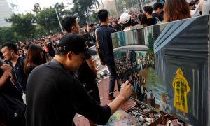 Hong Kong Artist Wields a Paintbrush at Hong Kong Mass Protests