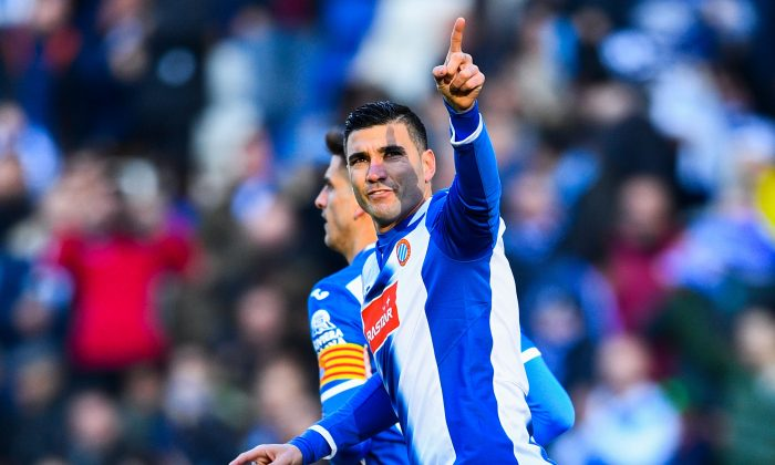 Jose Antonio Reyes of RCD Espanyol celebrates after scoring against Sevilla FC in Barcelona, Spain on Jan. 29, 2017. (David Ramos/Getty Images)