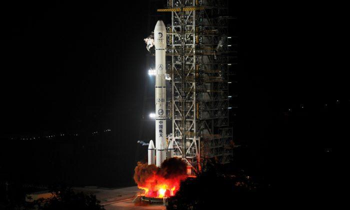 China's Change'e rocket. (STR/AFP/Getty Images)