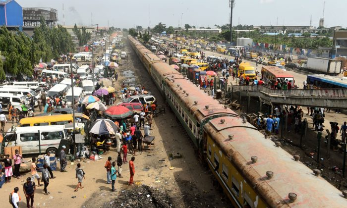 A crowded transit area in Nigeria. (PIUS UTOMI EKPEI/AFP/Getty Images)