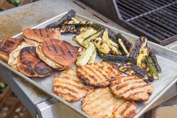 turkey burgers w squash on the grill