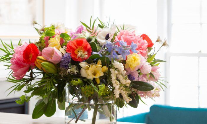An arrangement by Little Acre Flowers. (Jenn Verrier Photography)